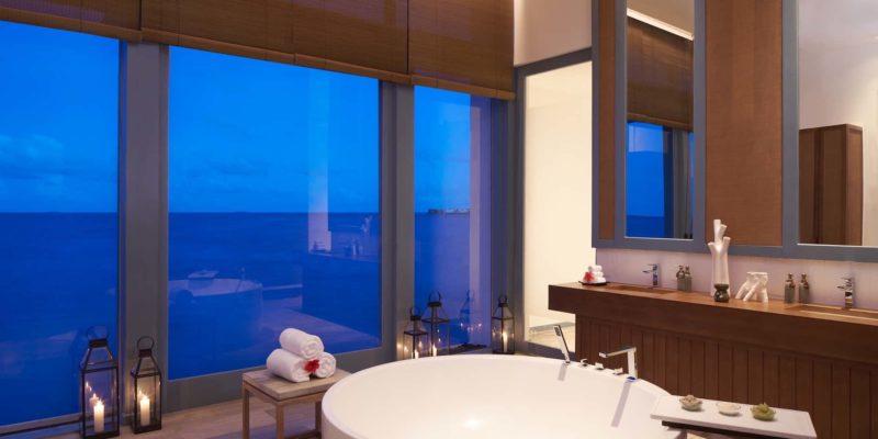Spa bathroom Raffles Maldives Meradhoo, фото