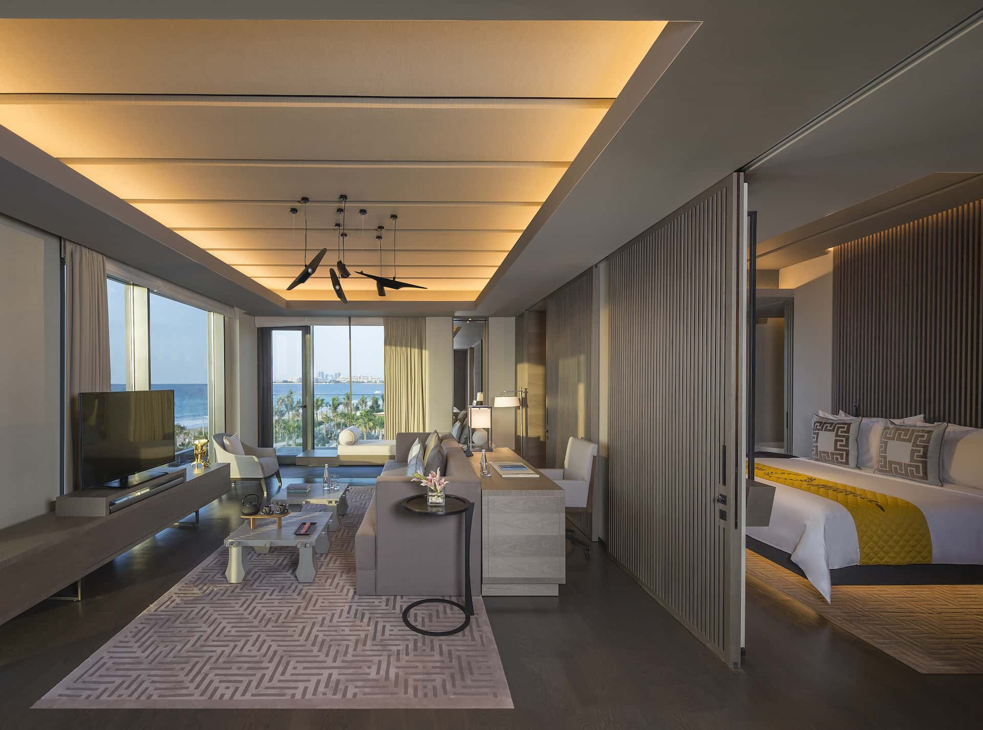 Caesars Palace Bluewaters Dubai Suite, фото
