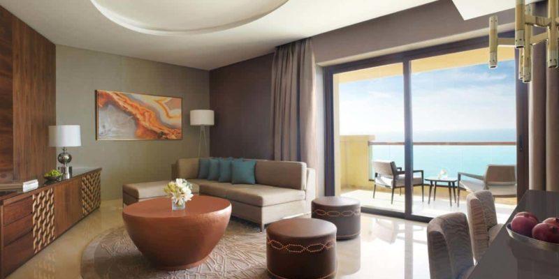 Suite Living Room Fairmont Ajman, фото