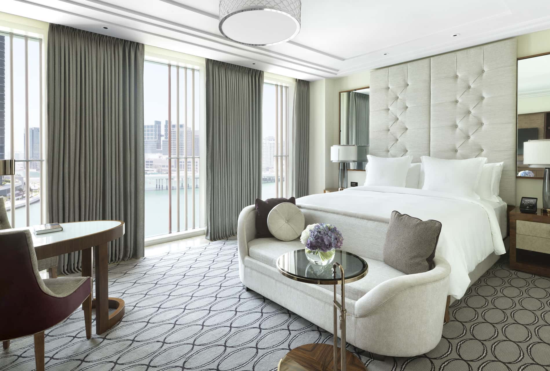 Four Seasons Hotel Abu Dhabi at Al Maryah Island Room, фото