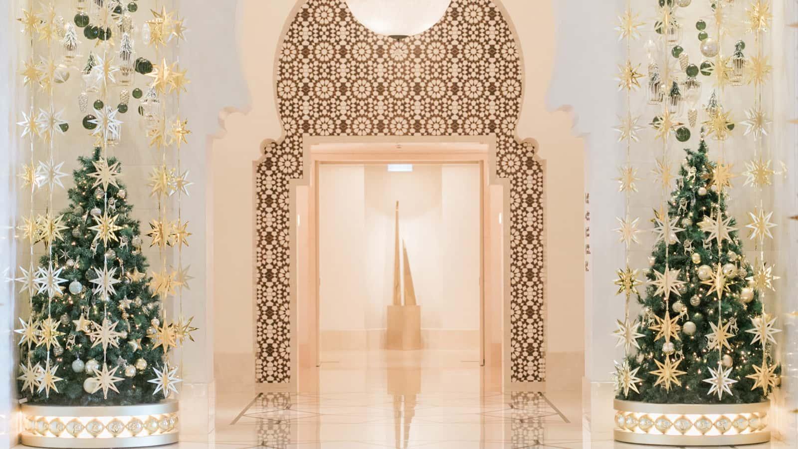 Four Seasons Resort Dubai at Jumeirah Beach Festive Decoration Dubai, фото