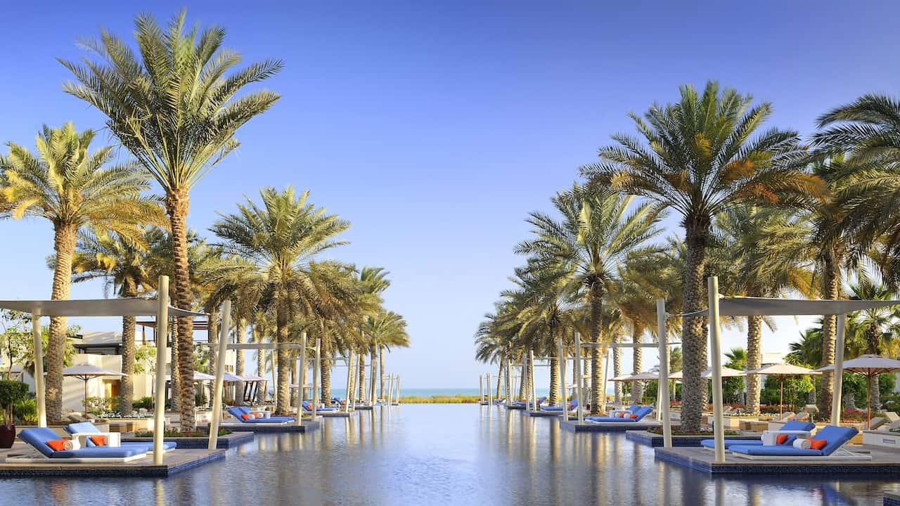 Park Hyatt Abu Dhabi Hotel and Villas Infinity Pool, фото