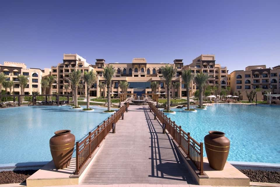 Saadiyat Rotana Resort & Villas Overview Абу-Даби, фото