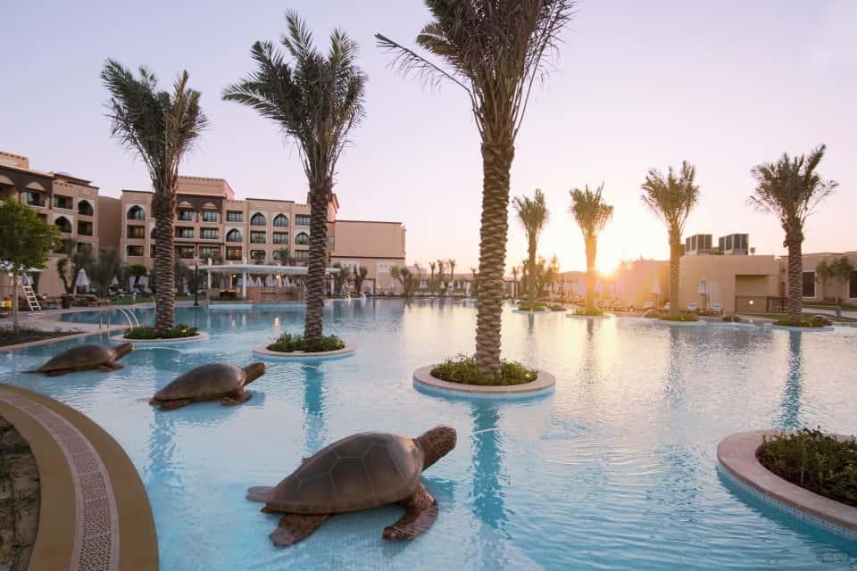 Saadiyat Rotana Resort & Villas Pool Абу-Даби, фото