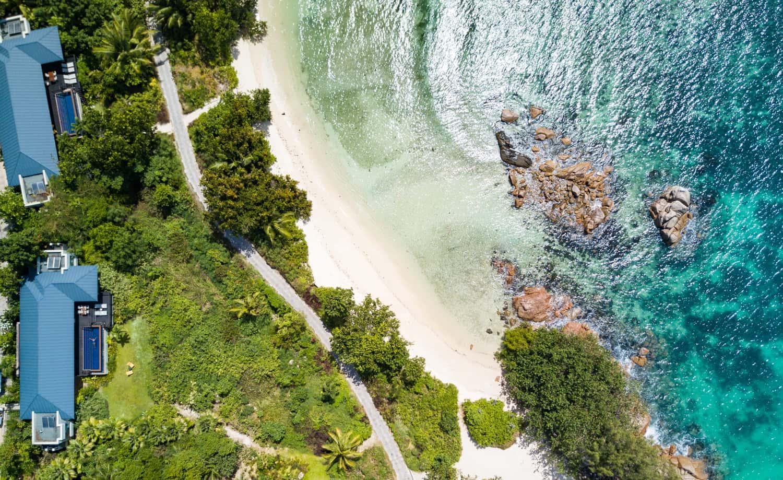 Two Bedroom Beachfront Raffles Seychelles, фото