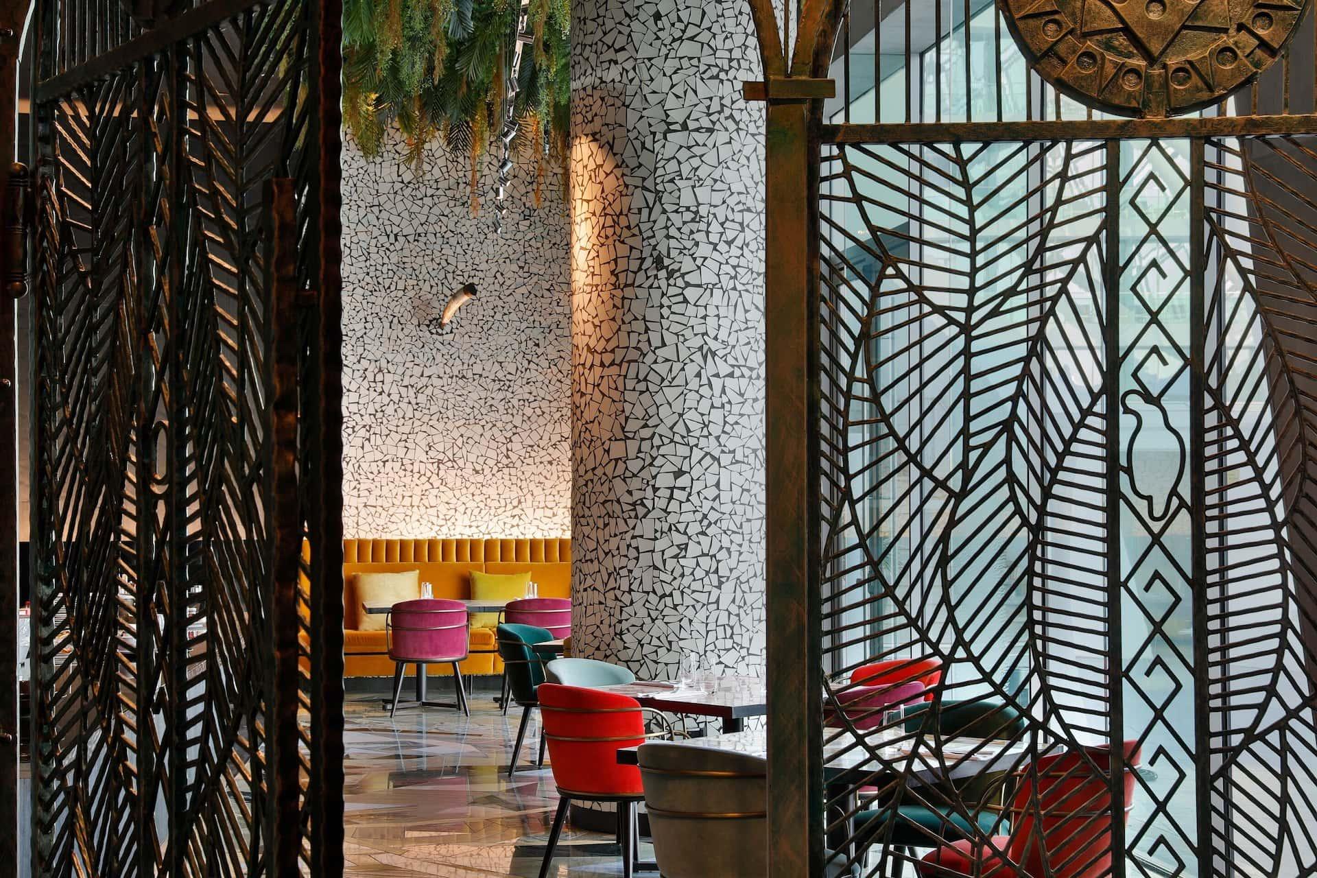 W Abu Dhabi - Yas Island Restaurant Garage, фото
