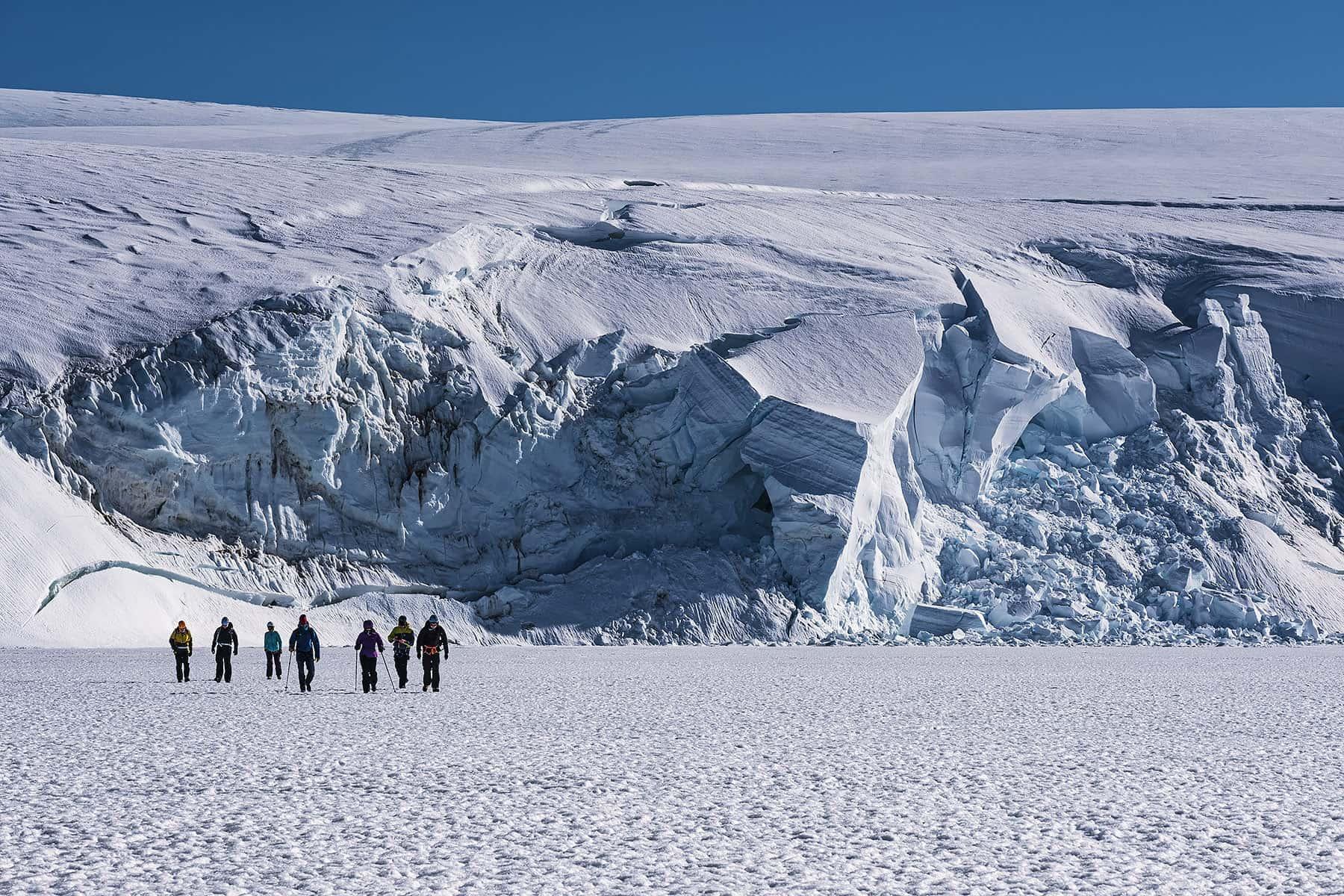 Walking White Desert Antarctica, фото