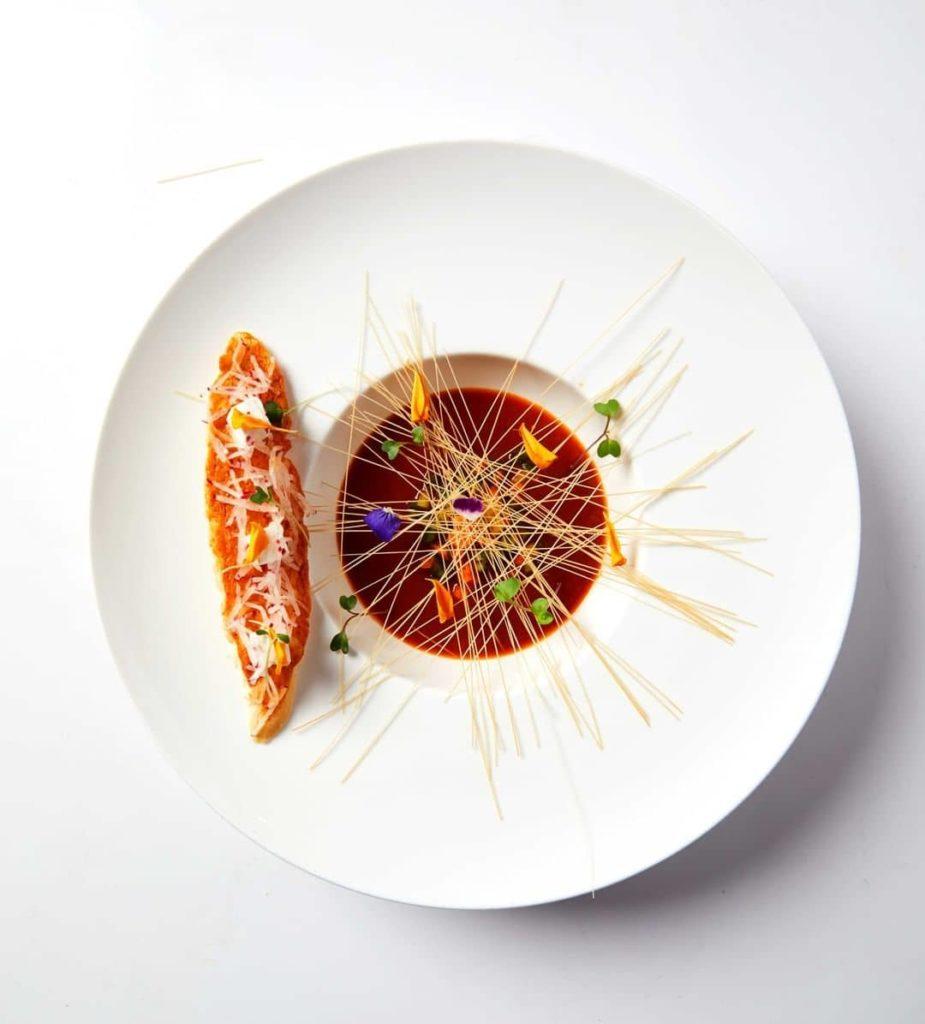 Restaurant Trèsind voco Hotel Dubai with Indian spices, фото