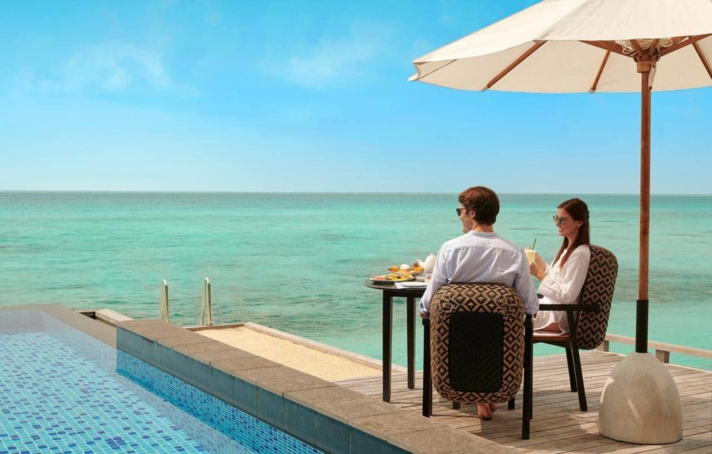 Hotel Fairmont Maldives Sirru Fen Fushi Outside Breakfast, фото