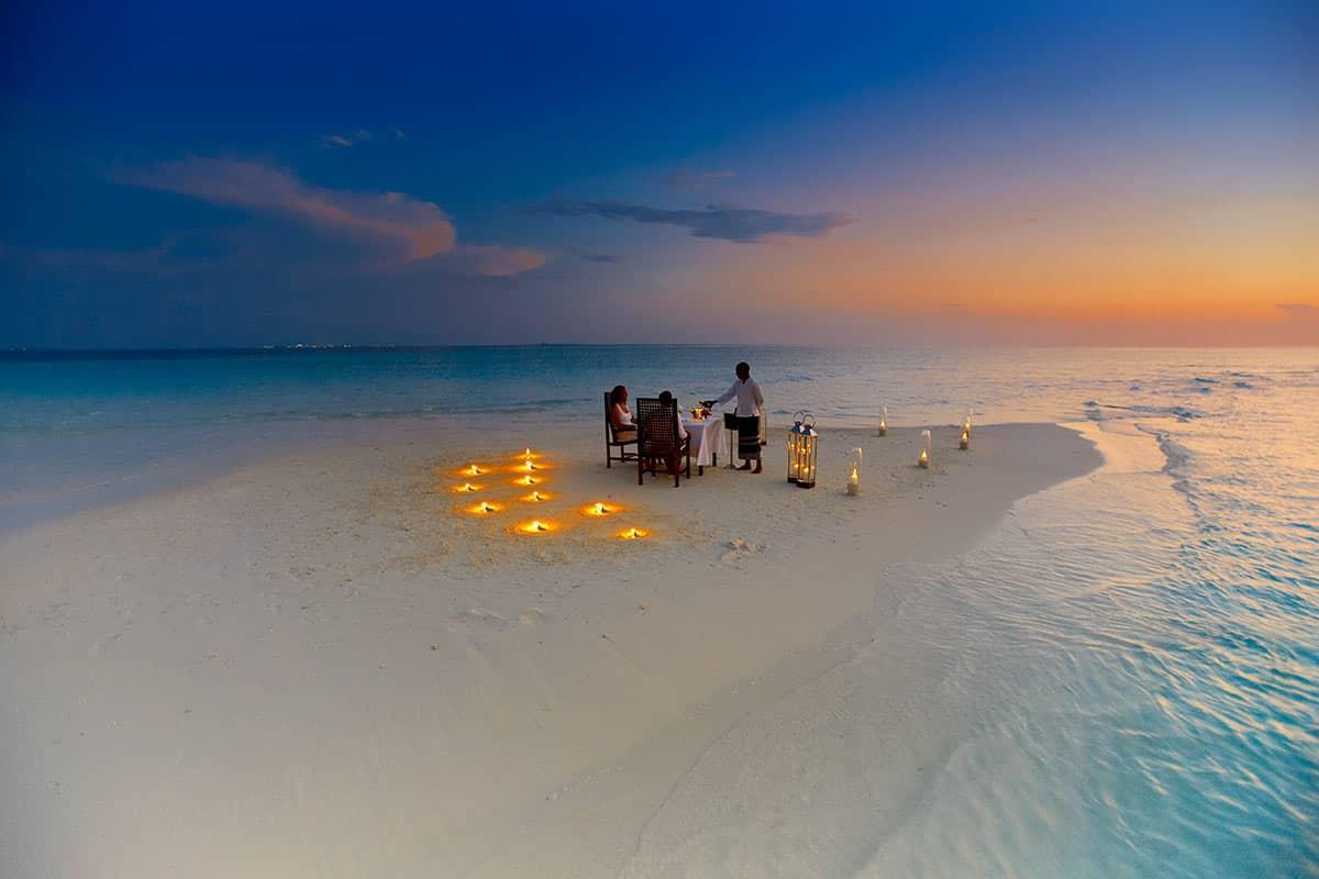 Resort Baros Maldives Sandbank Romantic Dinner, фото