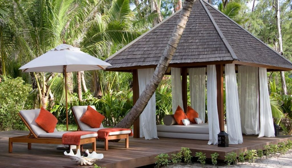 Denis Private Island Resort Seychelles Chalet Outdoor Setting, фото