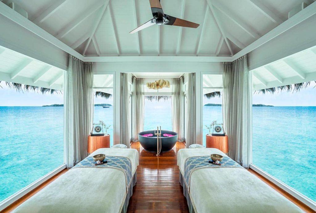 Resort Anantara Kihavah Maldives Villas Spa Room Interior, фото