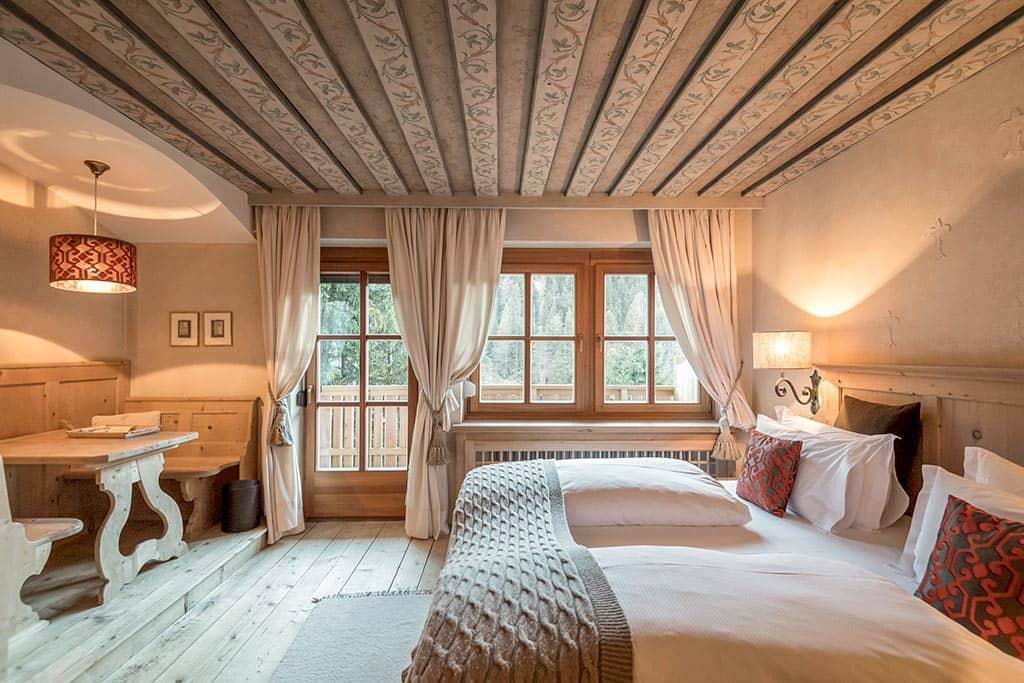 Hotel Rosa Alpina Italy De Luxe Room Interior, фото