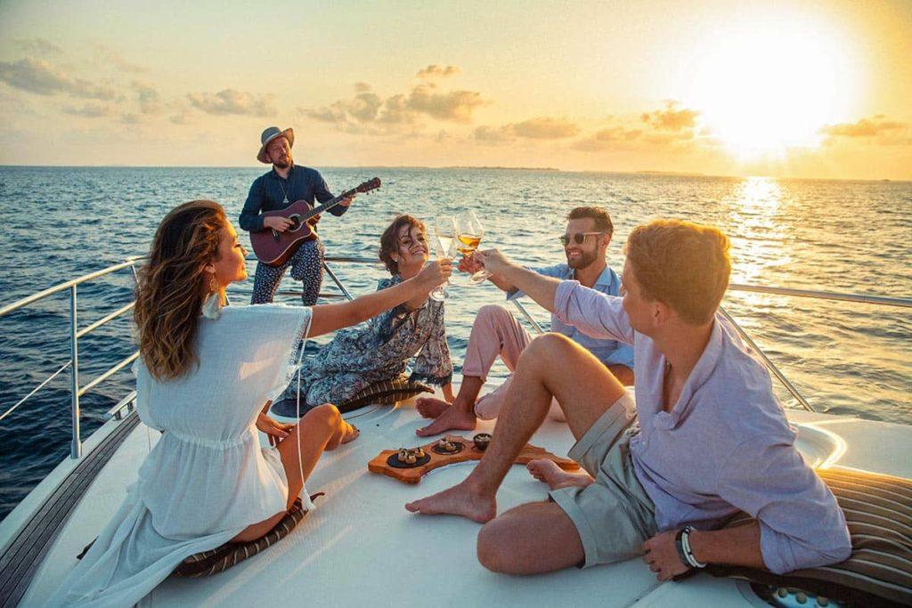 Resort Kuda Villingili Maldives Yacht Party, фото