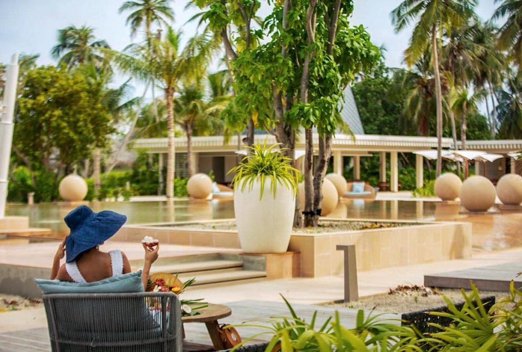 Resort Kuda Villingili Maldives Poolside, фото