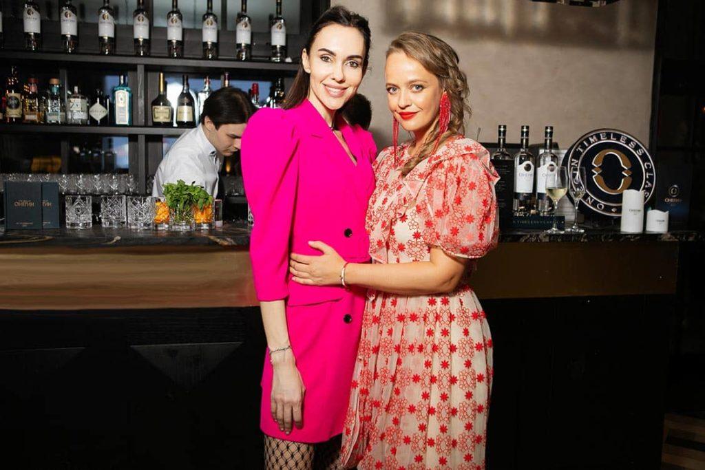 Yulianna Viner and Olga Leffers at The World Bridge Magazine Annyversary Party, фото