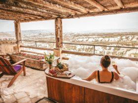 Терраса сьюта Tiraz Jacuzzi Suite отеля Argos in Cappadocia в Турции, фото