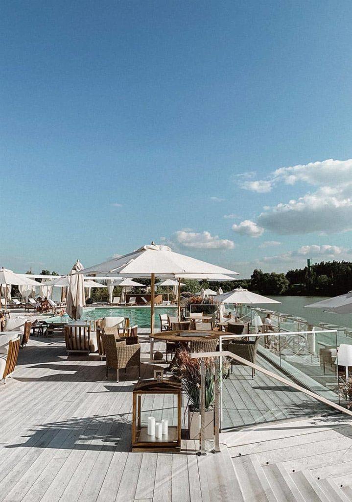 Незабываемый пляжный отдых вдали от моря: Riviera Wellness Resort